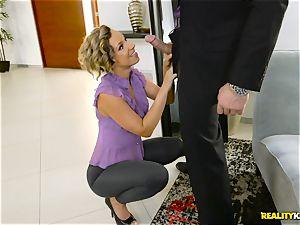 ultra-kinky tailor Jada Stevens blows off Charles