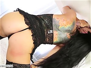 sexy masseur Romi Rain knows what you want