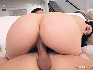 Mandy Muse's ample plump bootie gets disciplined by a huge salami