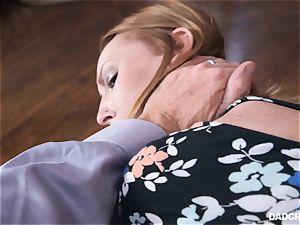 Ginger teen Katy kiss deep throating spear