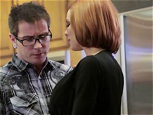 Mean mom Veronica Avluv drills her daughter's boy
