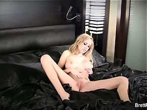 jaw-dropping Brett gets fully bare
