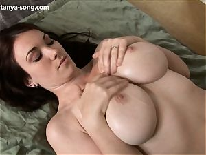 honey manipulates her hefty mounds