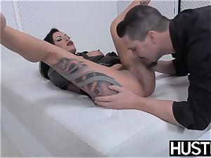 goth mummy Lola luscious vagina fucked with knob and toys