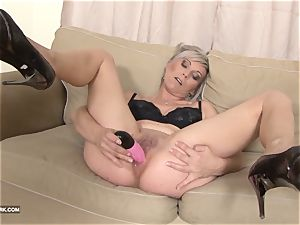 black and milky bbc jizz gulping whore enjoys ebony wood