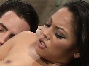 Adriana gets her latina cunt pumped