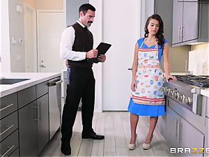 cunt hitting the housewife Keisha Grey