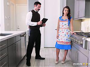 cunt hitting the housewife Keisha Grey
