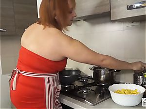 casting ALLA ITALIANA - Italian red-haired deep buttfuck hook-up