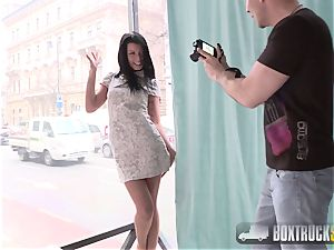 incredible Sofia Like Prove her Worh for Public Photoshoot