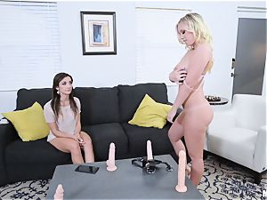 lezzies Rosyln Belle and Bailey Brooke scissoring and strapon bang-out